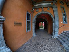 Schloss Rheydt, Durchgang zur Vorburg