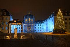 Schloss Saarbrücken mit Weihnachtsbaum