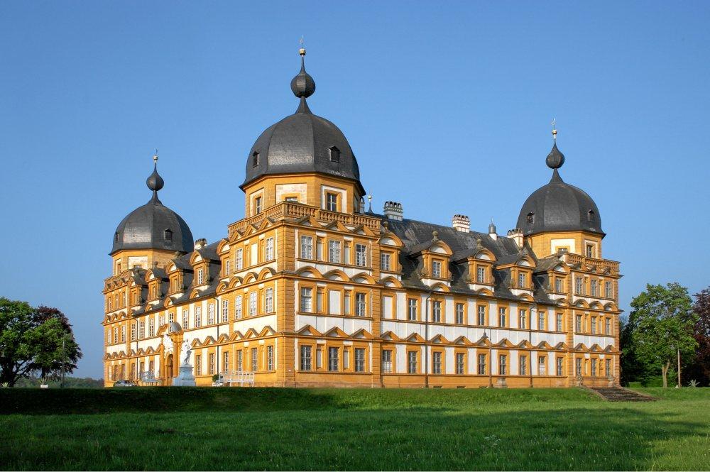 Schloss Seehof am Morgen (1)