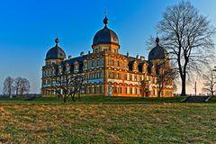 Schloss Seehof in der Abendstimmung