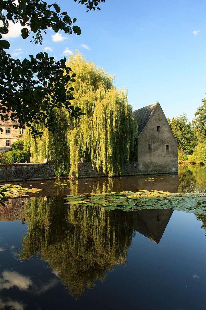 Schloss Tatenhausen im August