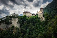 Schloß Tirol 02