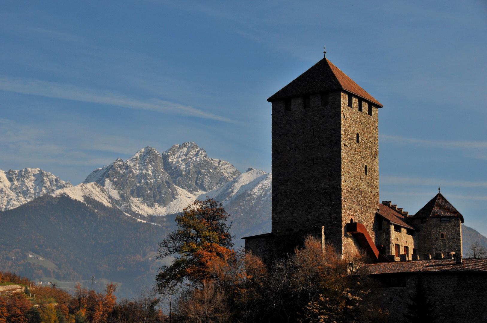 Schloß Tirol mit Ifinger