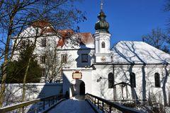 Schloss Wald a.d. Alz mit Schlosskapelle St. Erasmus
