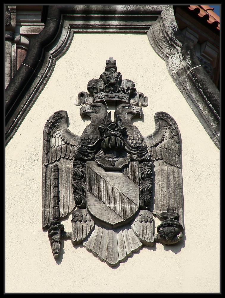 Schloss Waldenburg----------Das Wappen im Giebel