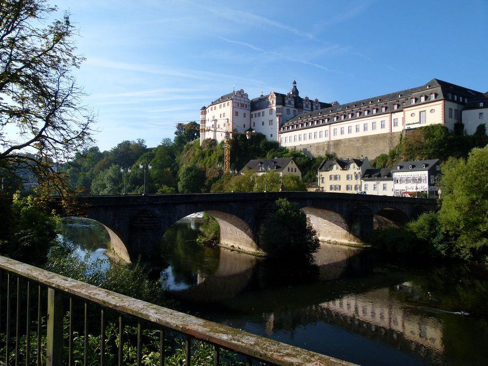 Schloss Weilburg und steinerne Brücke