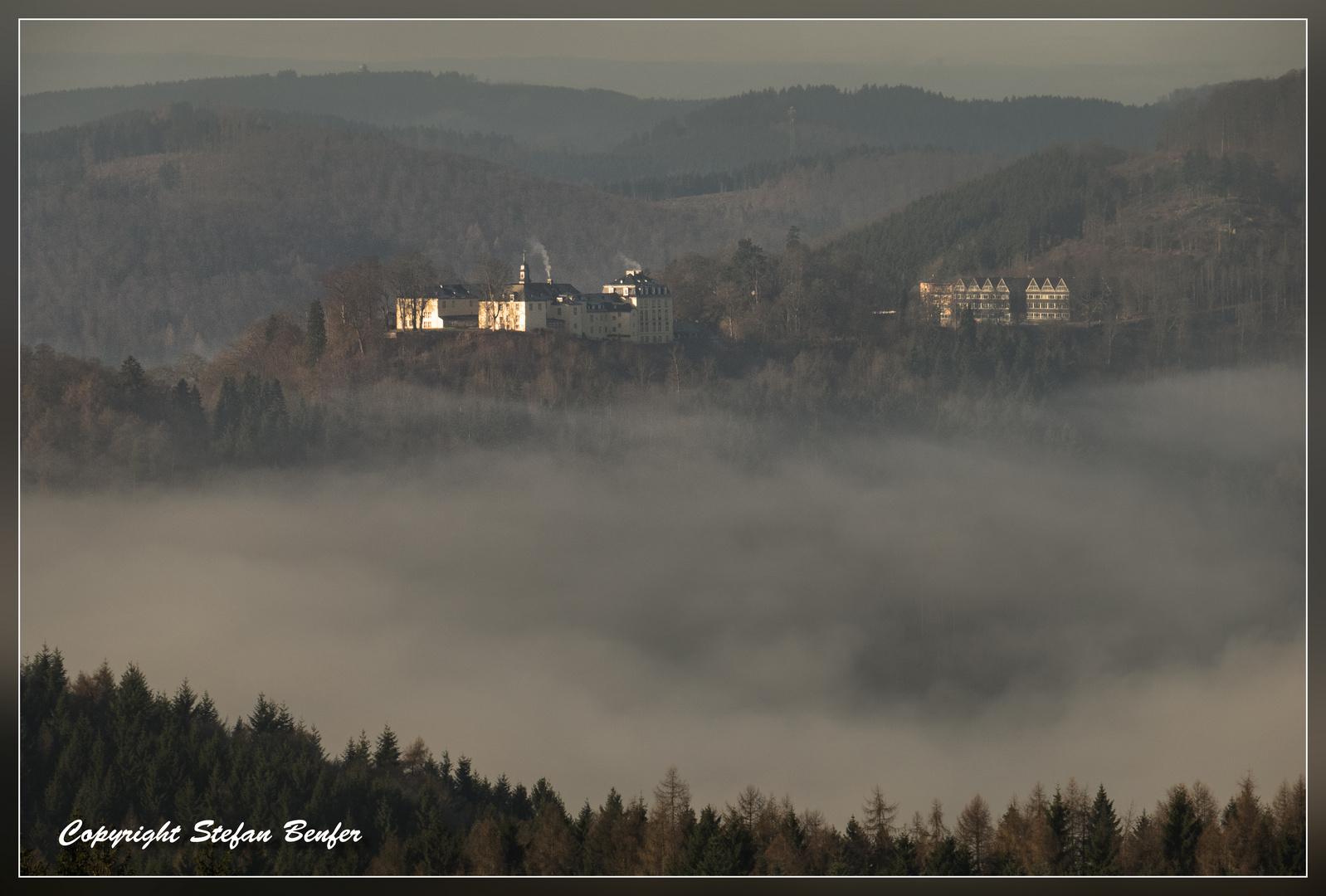 Schloß Wittgenstein über den Wolken