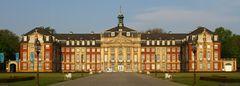 Schloss zu Münster in der frühen Morgensonne (keinerlei Bea außer Schnitt)