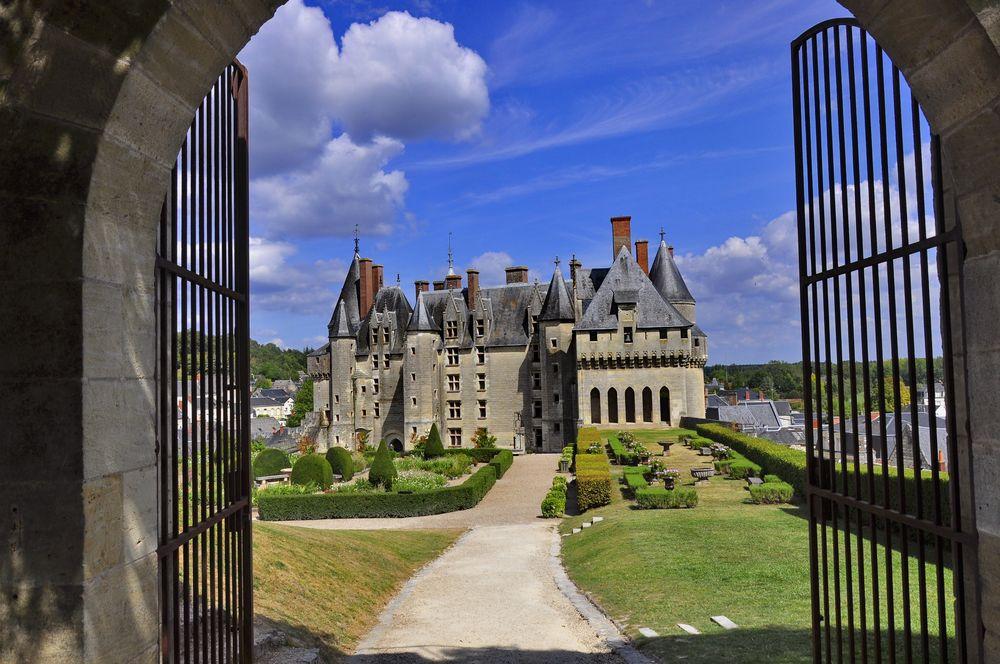 SCHLOSSFESTUNG LANGEAIS, nahe Tours an der Loire
