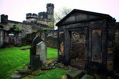 ...Schlossfriedhof Edinburgh...