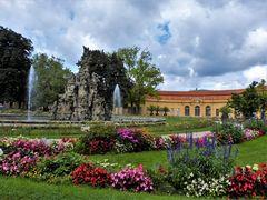 Schlossgarten - Hugenottenbrunnen - Orangerie