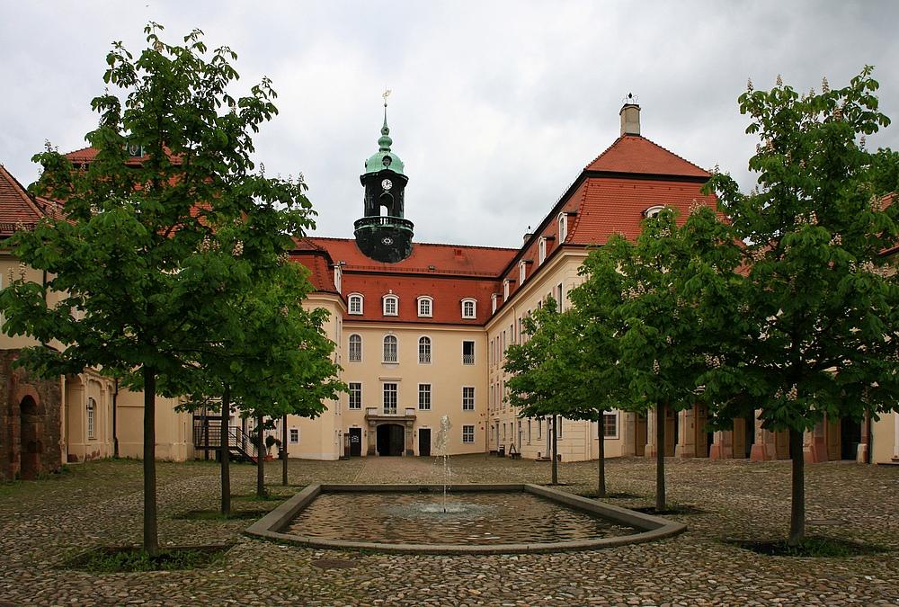 Schloßhof...