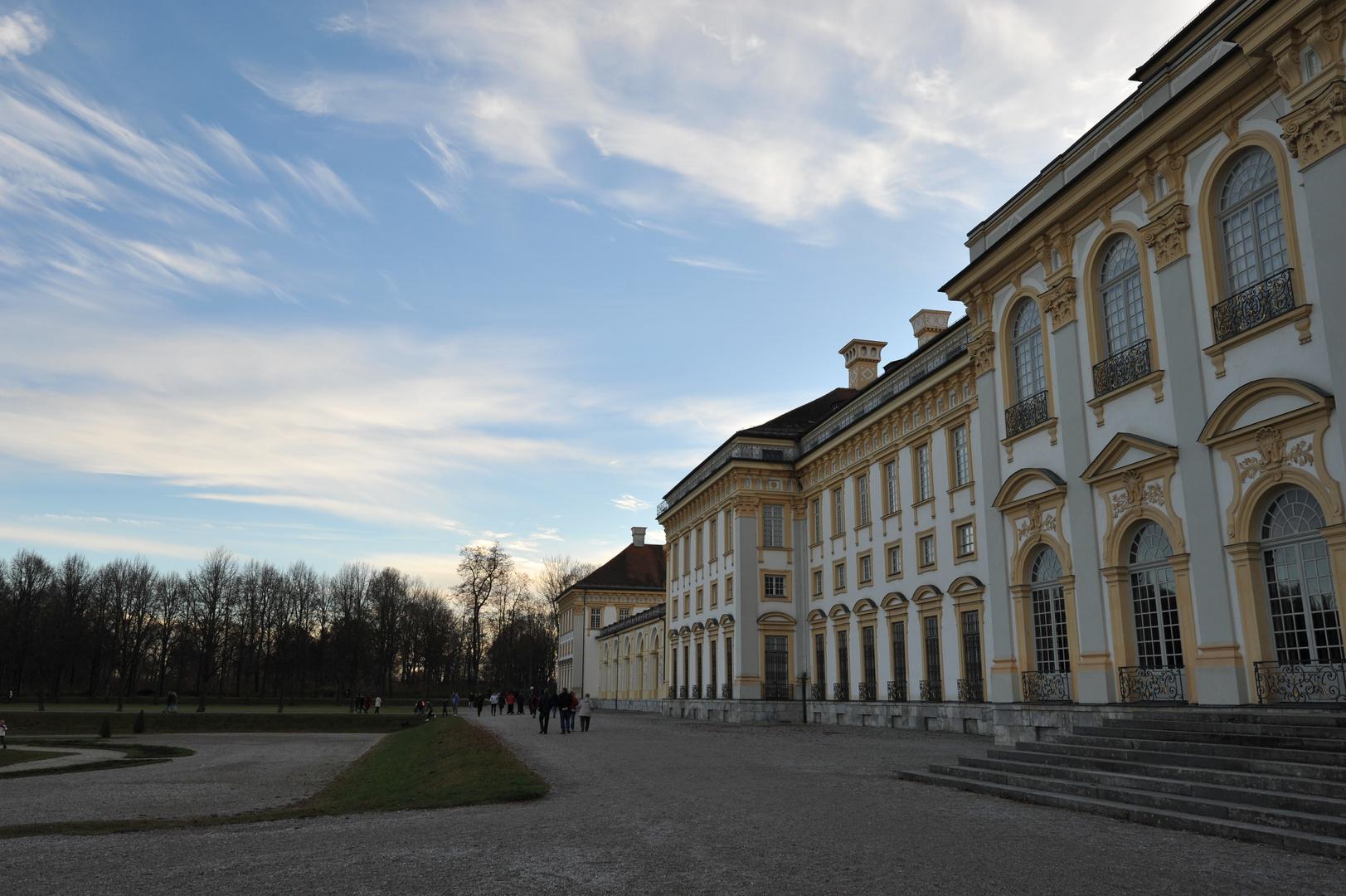 Schlosspark_Oberschleissheim_an_einem_schoenen_warmen_Sonntag_05