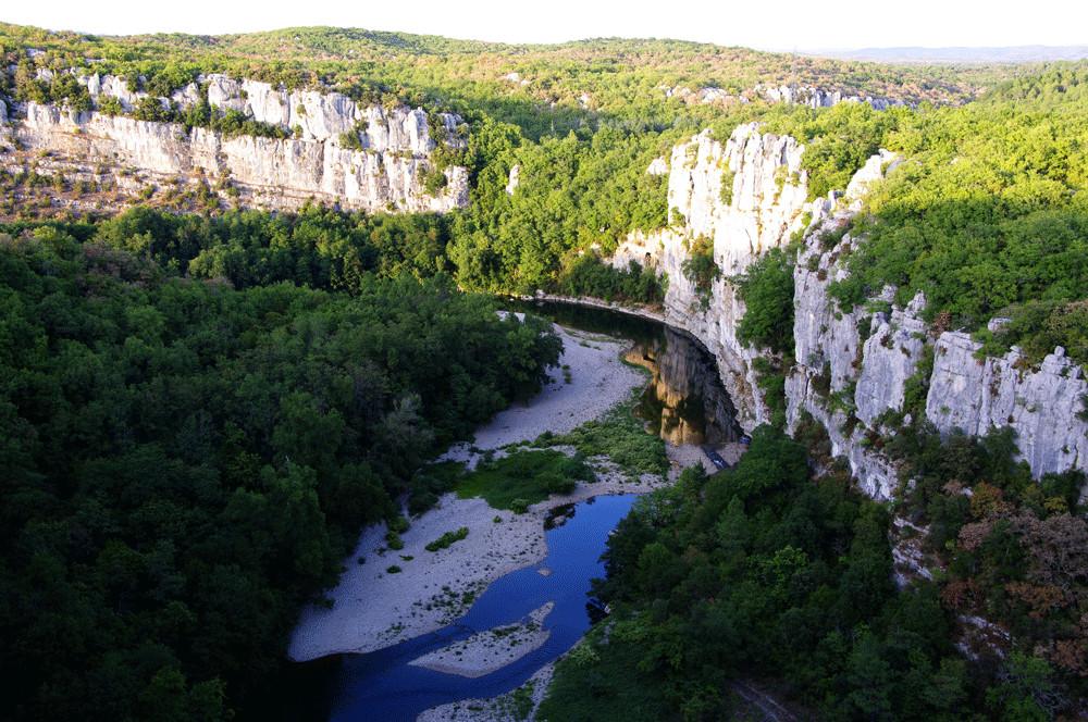 Schlucht des Chassezac bei Le Vans, Frankreich