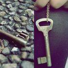 Schlüssel öffnen die Türen zu den Herzen.