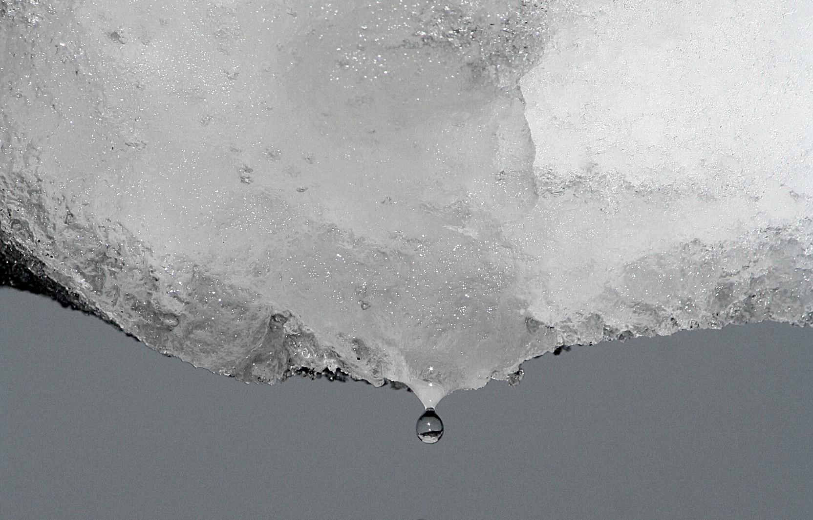 schmelzender schnee