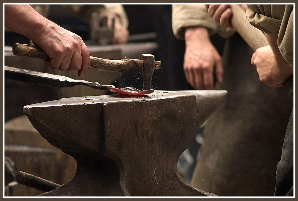 - Schmiedet das Eisen, solange es heiß ist! -