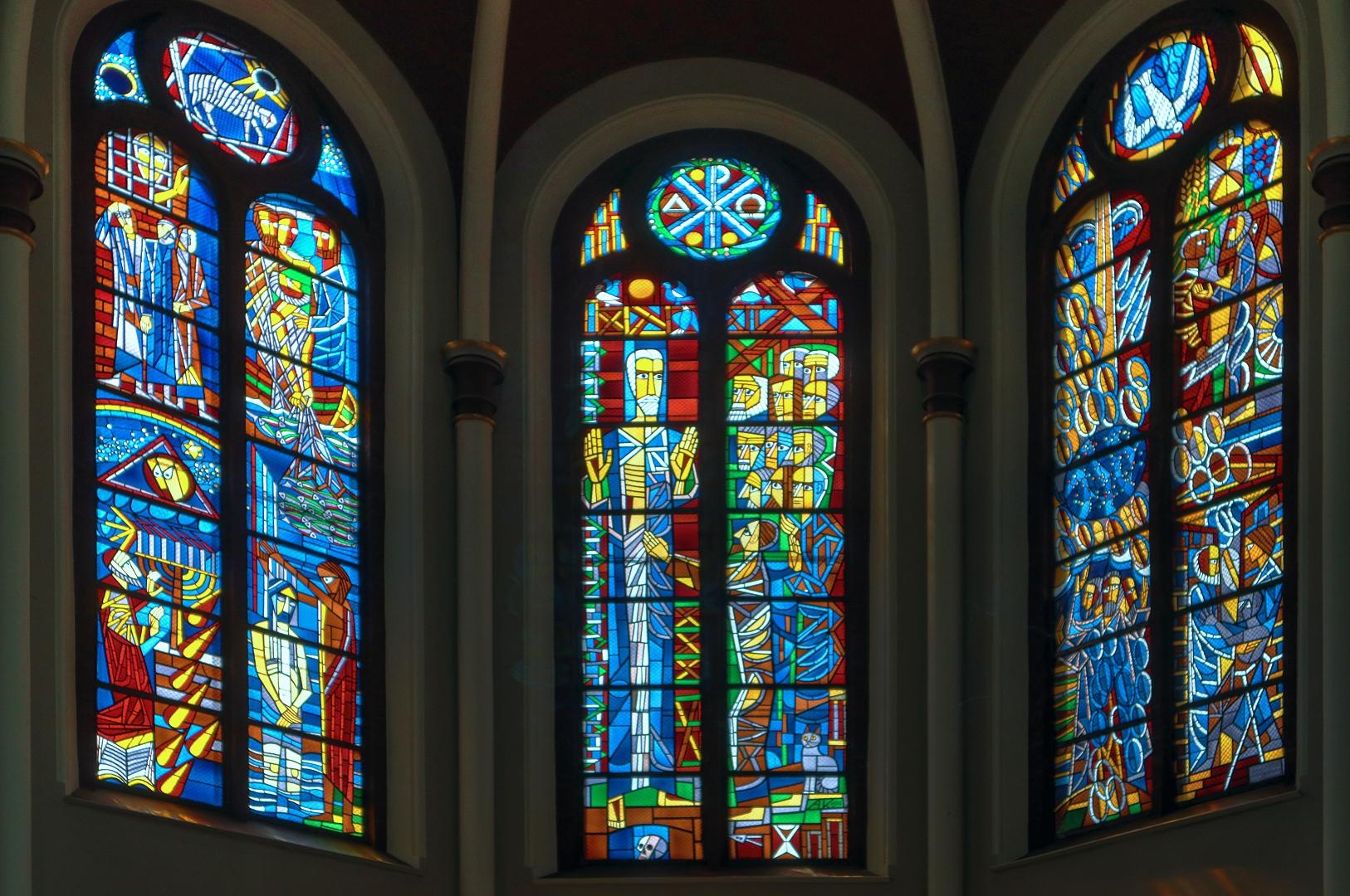 Schmuckfenster der Zwölf Apostelkirche