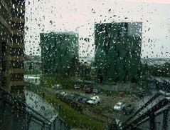 ...Sch.......muddel - Wetter - aber tolle Architektur - beim Gasometer