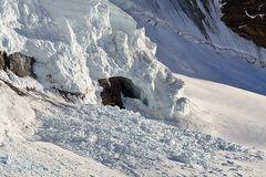 Schneeabgang an der Mönchsflanke im  Berner Oberland am 13.10. 07