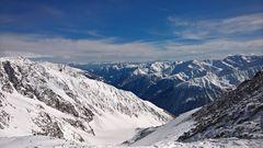 Schneebedeckte Berge in Südtirol
