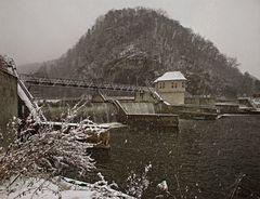 Schneefall an der Wehranlage der Mur bei Gratkorn!