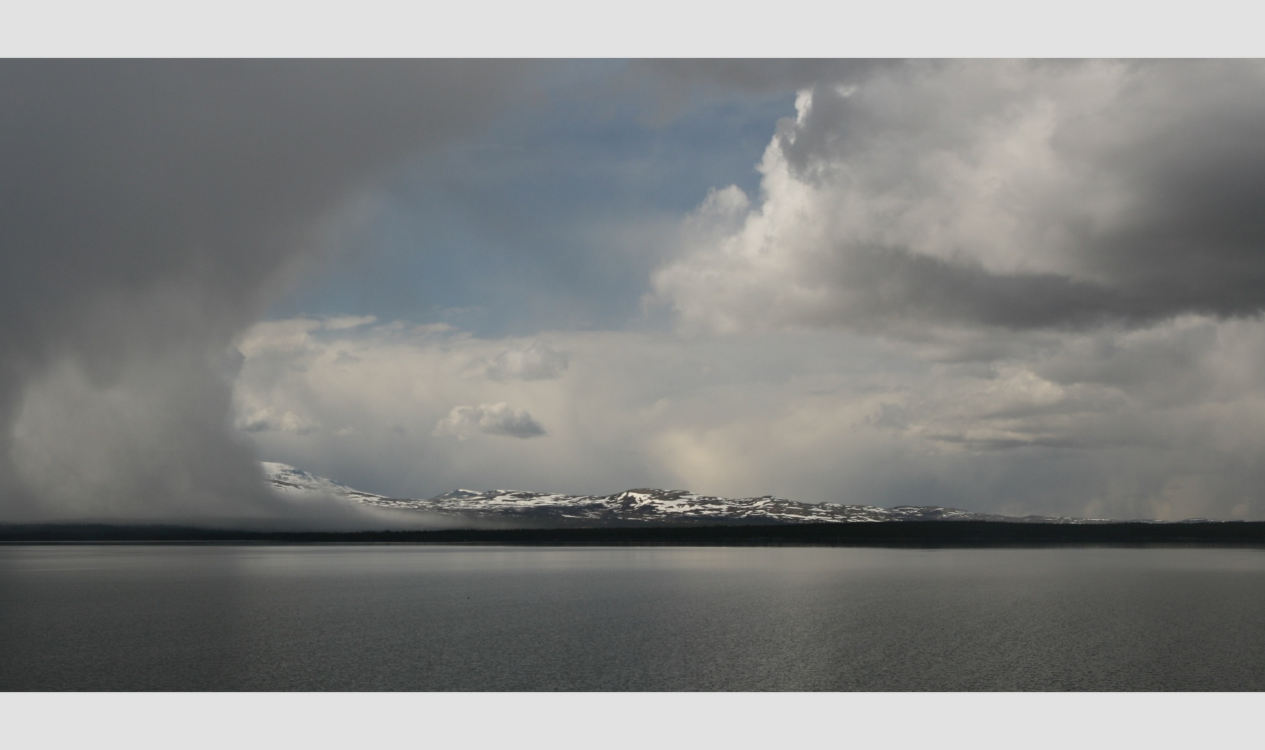 Schneefront bei Elgå