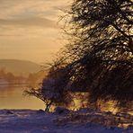Schneegriesel kurz vor Sonnenuntergang ...