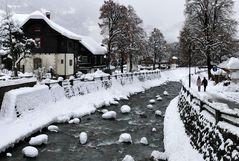 ...Schneehäubchen auf der Litz...