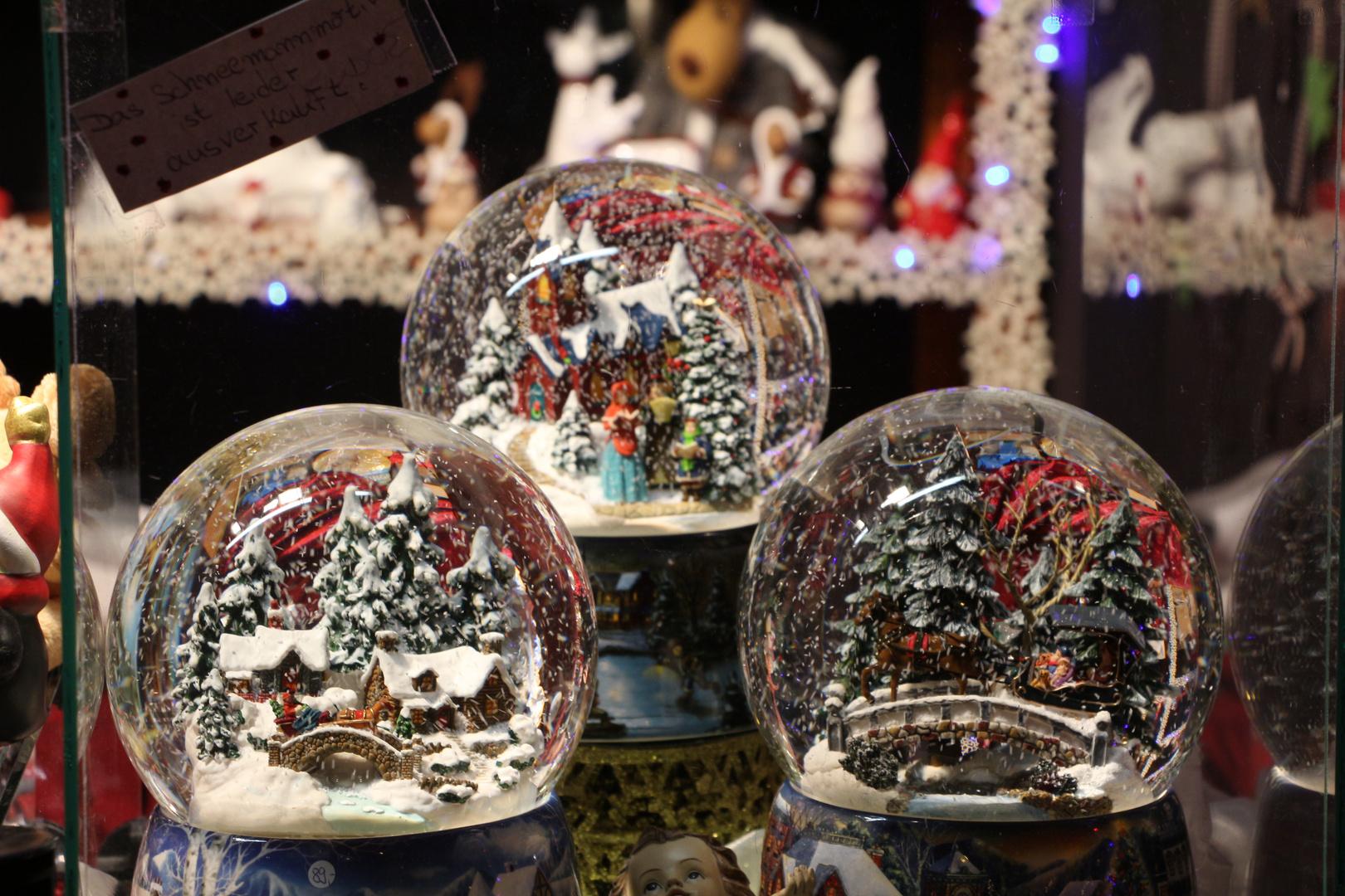 Schneekugeln Foto & Bild   gratulation und feiertage, weihnachten ...