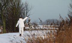 Schneemann mit Porzellanhund