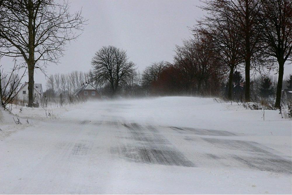 Schneesturm 01