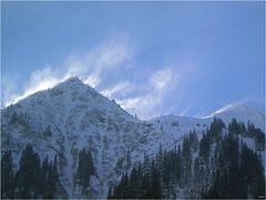 Schneesturm-Fahnen
