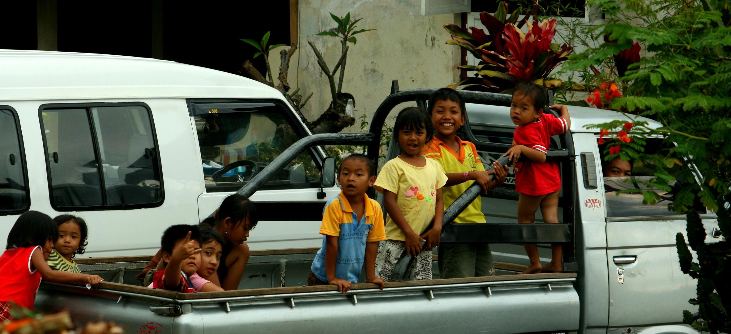 Schön gespielt.... jetzt müssen wir nach hause - fotografiert auf Bali
