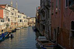 Schöne Gassen gibts viele in Venedig
