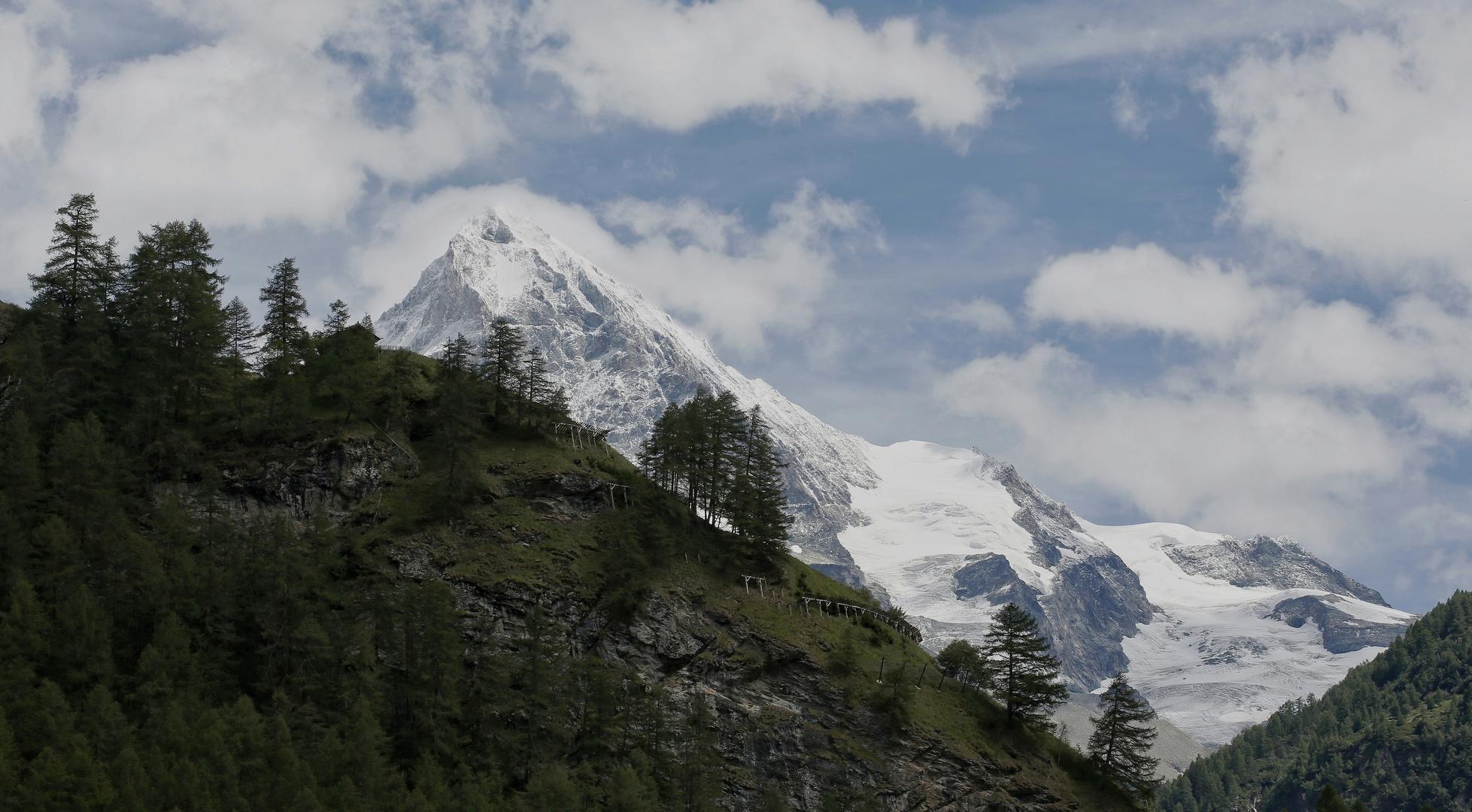 Schöne wilde Bergwelt