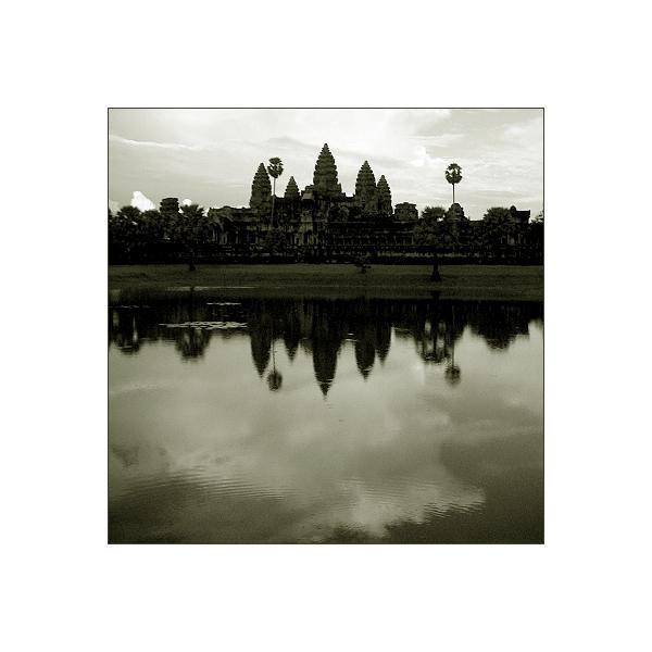 """Schönen Gruß aus Angkor Vat"""