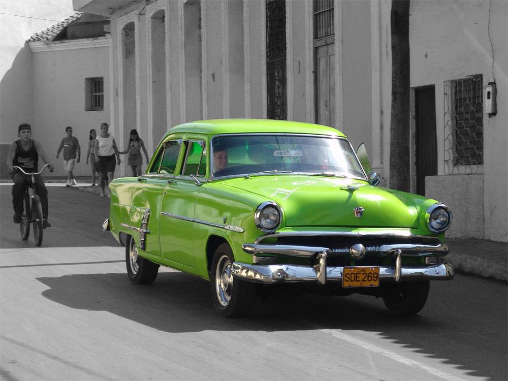 ....schönes grünes Auto