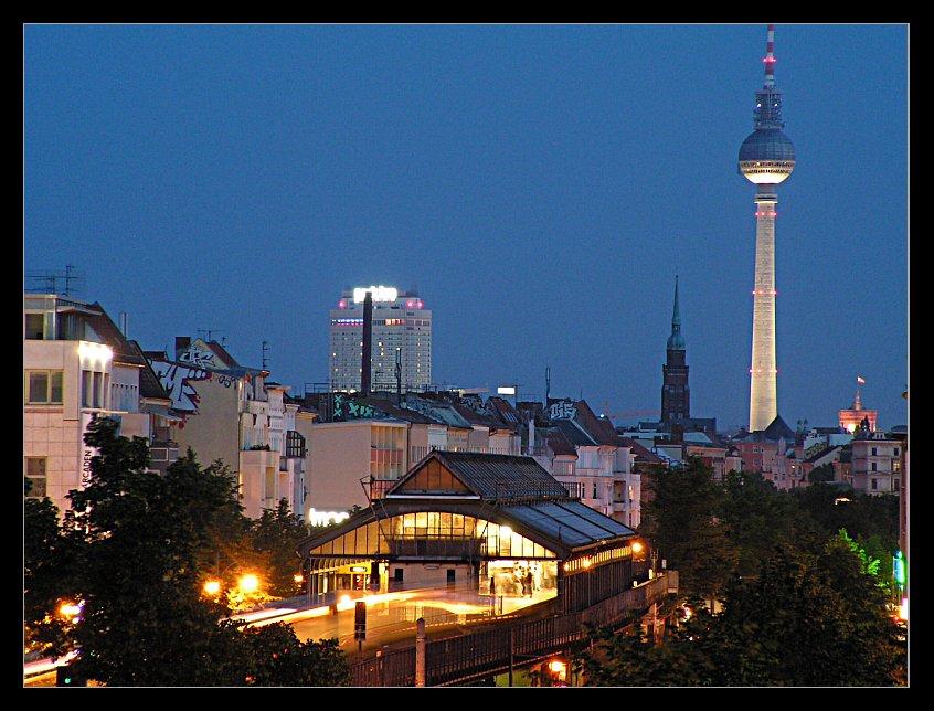 Schönhauser Allee bei Nacht (Teil 2)