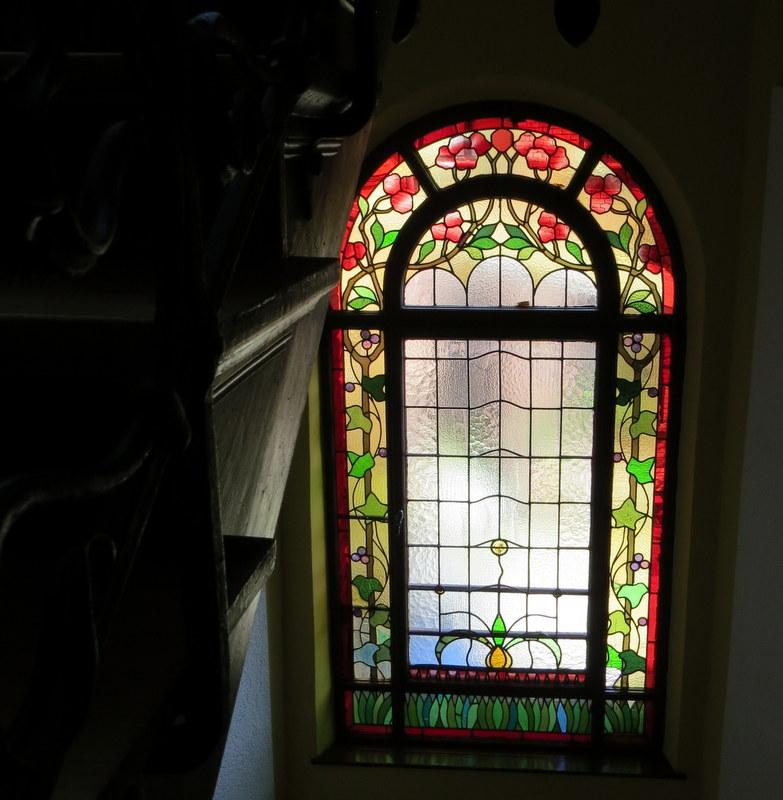 Schönheit im Treppenhaus