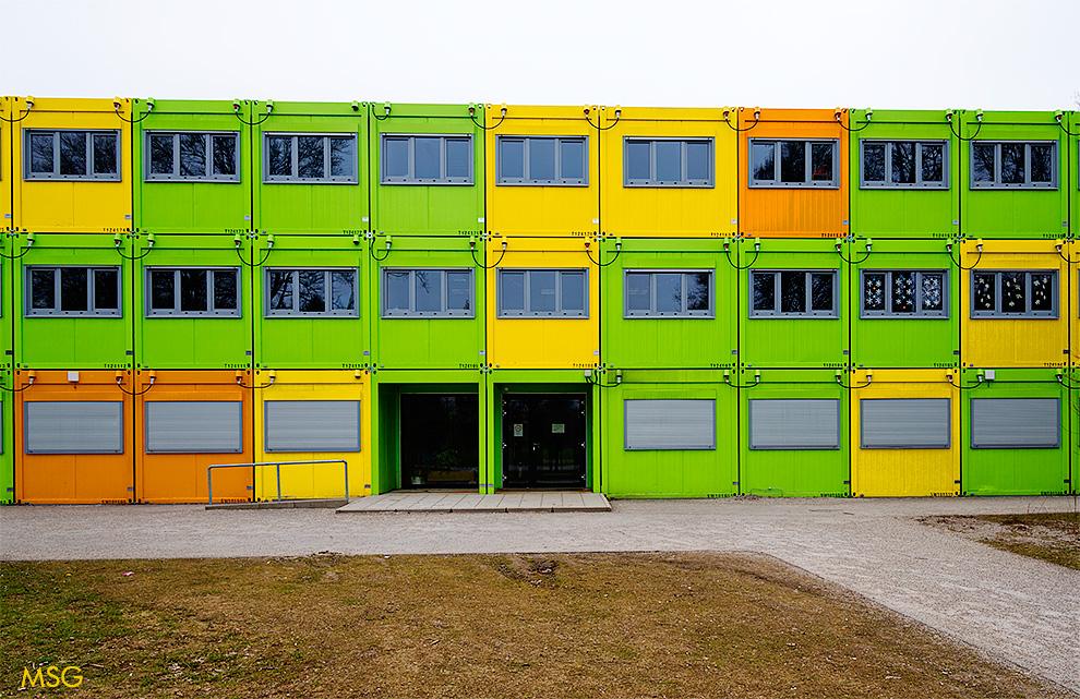 school@container.muc