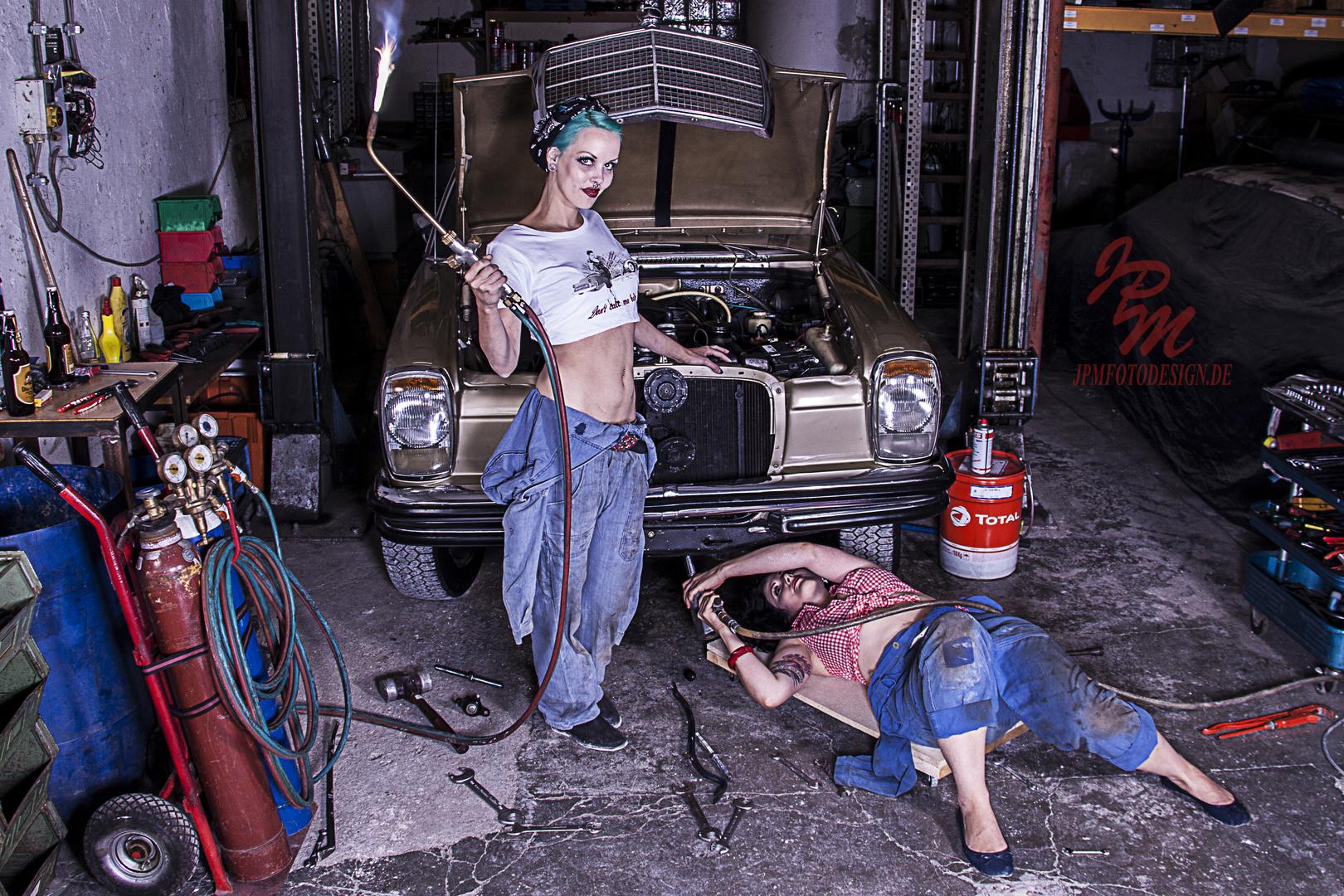 Schrauben an alten Autos