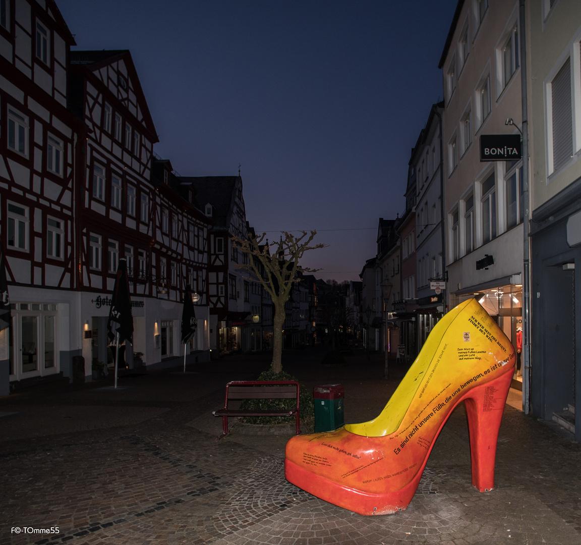 """""""Schuhe verändern dein Leben, frag Aschenputtel"""""""