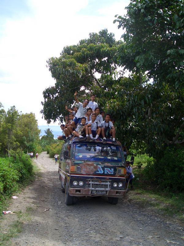 Schulbus auf indonesisch!