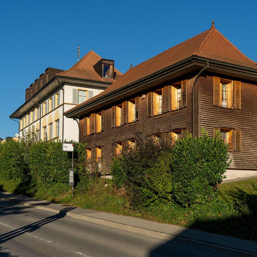 Schulhaus und Gemeindehaus