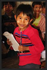 Schulkind am Inlesee (Burma)