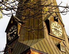 Schwache Nachmittagsonne am Turm von St. Katharinen in Salzwedel