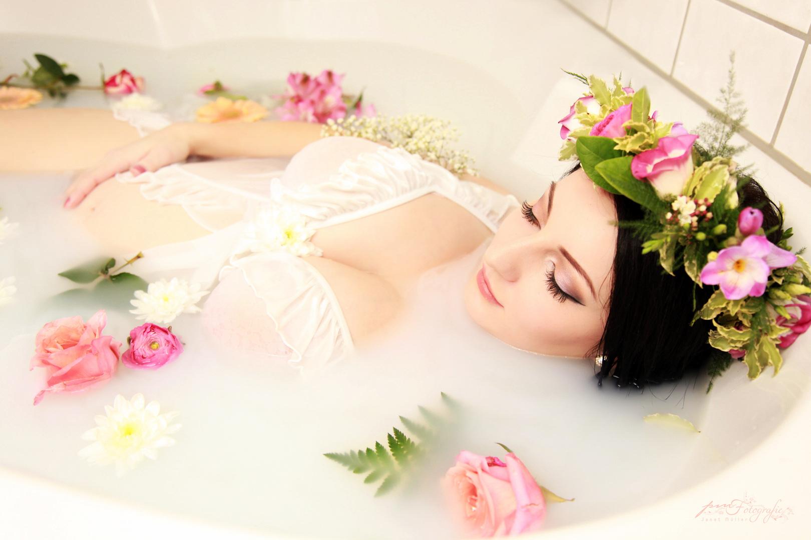 Schwangerschaft Shooting Badewanne