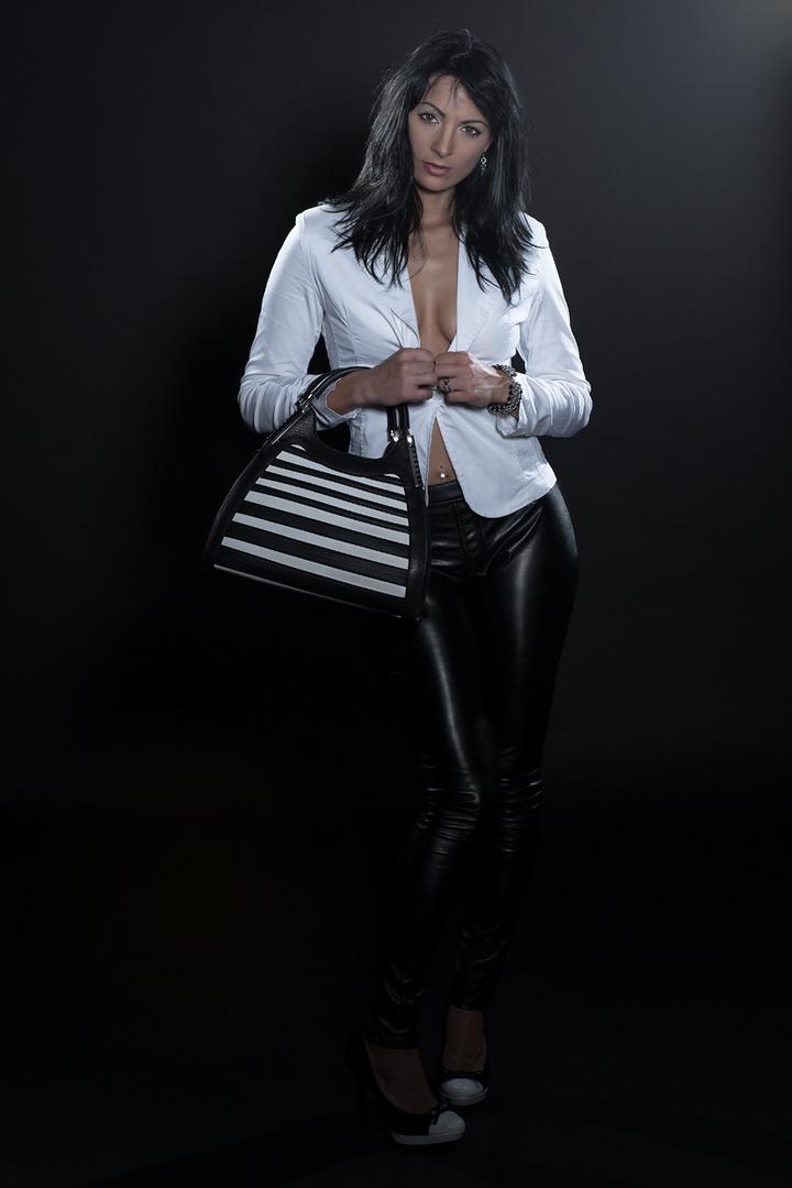 Schwarz Weiß - Sexy Kerstin Foto & Bild | portrait