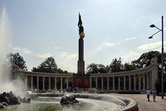 Schwarzenbergplatz - Heldendenkmal der Roten Armee